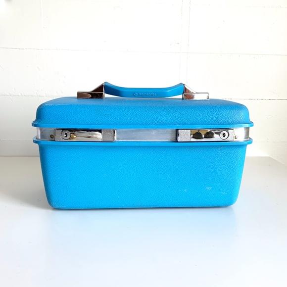 Vintage Handbags - Vintage Samsonite Train Case Turquoise Travel Bag